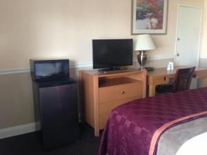 Americas Best Value Inn Oakland Lake Merritt - All Rooms feature Microwaves/Fridges