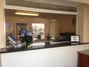 Americas Best Value Inn Oakland Lake Merritt - Front Desk at ABVI Oakland